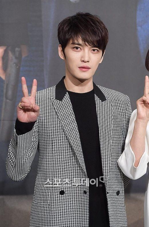 Jaejoong là chỗ dựa cho Siwan mỗi khi căng thẳng