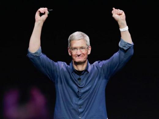 CEO Tim Cook của Apple trong hội thảo giới thiệu sản phẩm mới