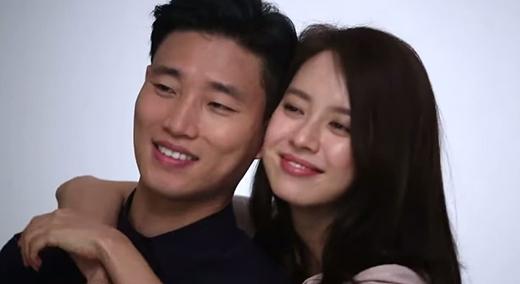 Bắt gặp Gary và Song Ji Hyo ôm nhau tình tứ