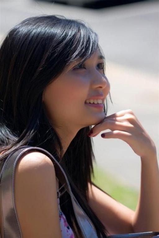 Mối tình của Huyền Mi và Văn Quyết đã kéo dài được khoảng 2 năm trước khi cặp đôi này quyết định tổ chức lễ cưới chính thức trong khoảng đầu năm 2015.