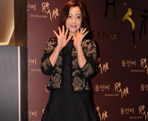Gương mặt lộ nét không tự nhiên của Kim Hee Sun
