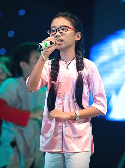Học trò cưng của Hiền Thục trở thành hiện tượng trong The voice kids mùa đầu tiên. - Tin sao Viet - Tin tuc sao Viet - Scandal sao Viet - Tin tuc cua Sao - Tin cua Sao