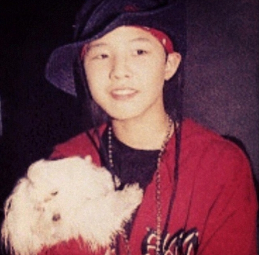 G-Dragon bất ngờ khoe hình hồi bé cực đáng yêu và thu hút rất nhiều lượt like của fan.