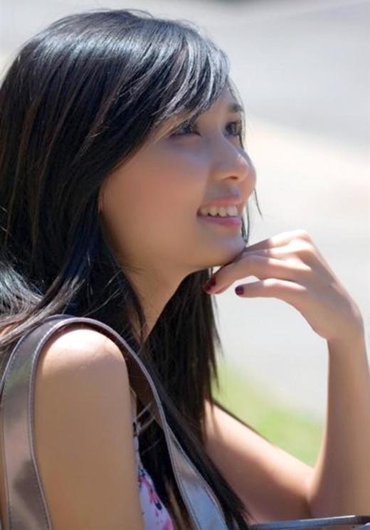 Vợ tương lai của cầu thủ Văn Quyết khoe nhan sắc xinh đẹp