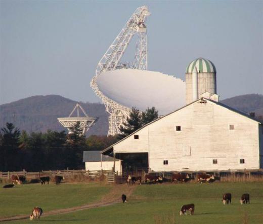 Đài thiên văn radio lớn nhất thế giới Robert C. Bird.