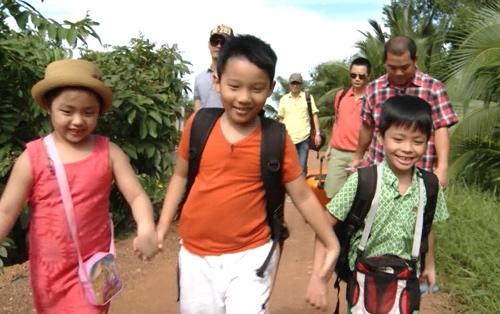 """Những phút giây vui vẻ của 4 nhóc tỳ trong """"Bố ơi! Mình đi đâu thế?""""."""