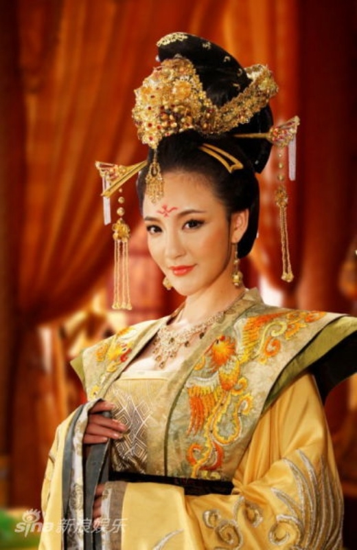 Bị cắt do khoe ngực: Phải chăng Phạm Băng Băng bị oan?