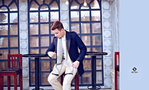 Nắm bắt và theo kịp xu hướng thời trang của giới trẻ thương hiệu thời trang nam Seven đã cho ra mắt những thiết kế tinh xảo trong đường nét, ấn tượng trong thiết kế và cá tính trong phong cách.