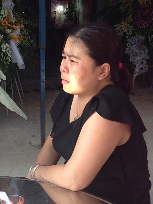 Người thân gia đình Phước Hải vẫn chưa thể tin được sự thật. Ảnh: Đặng Thanh