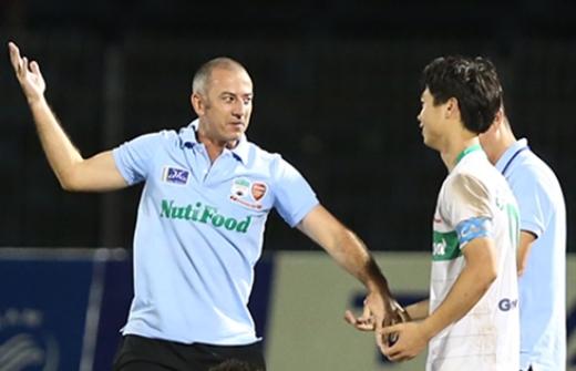 HLV Graechen không muốn làm phó tướng tại đội U23 Việt Nam.