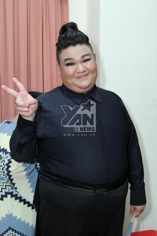Trên nên nhạc của ca khúc nhạc Hàn đình đám I am the best (2NE1), Tido Vương Khang cùng bạn nhảy sẽ mang đến một tiết mục đầy bất ngờ và hấp dẫn. - Tin sao Viet - Tin tuc sao Viet - Scandal sao Viet - Tin tuc cua Sao - Tin cua Sao