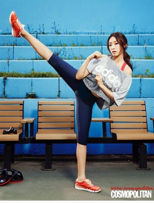 """Khi sao Hàn là """"tín đồ"""" của yoga"""