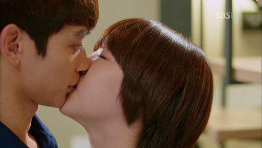 Minho và Sulli trong phim To The Beautiful You.