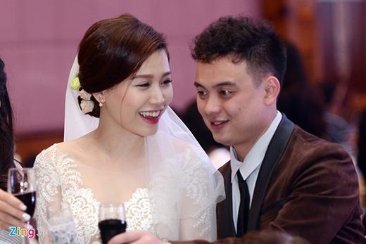 Tối 10/1, đám cưới của diễn viên Mi Trần cùng ông xã diễn ra trong không gian sang trọng tại một khách sạn ở trung tâm Hà Nội. - Tin sao Viet - Tin tuc sao Viet - Scandal sao Viet - Tin tuc cua Sao - Tin cua Sao