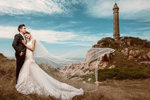 Bộ ảnh cưới thứ hai của Lê Thúy - Khải An được ê-kíp thực hiện trong không gian bờ biển lãng mạn tại Phan Thiết. - Tin sao Viet - Tin tuc sao Viet - Scandal sao Viet - Tin tuc cua Sao - Tin cua Sao