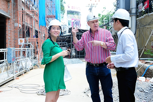 Bảo Thy rầu rĩ vì scandal, Thanh Hằng bị chĩa súng vào đầu