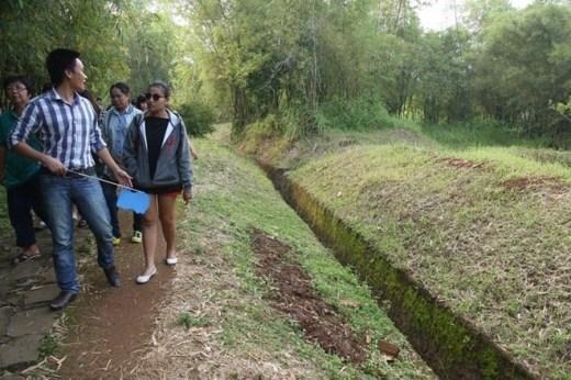 Địa đạo khởi thủy từ những hệ thống hầm lán, giao thông hào và các tiểu đạo phân bố khắp huyện Vĩnh Linh.