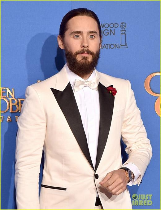 Anh chàng không hề để lộ kiểu tóc của mình trong những bức ảnh trên thảm đỏ...