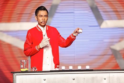 Tấn Phát và phần trình diễn tại Bán kết 4 Vietnam's Got Talent.