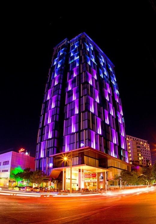 Công trình liền kề Khách sạn New World Hotel và nhìn ra Công viên 23/9 - một trong những mảng xanh đẹp nhất của Thành phố với Hội chợ Hoa tổ chức hàng năm. Ảnh: Skyline