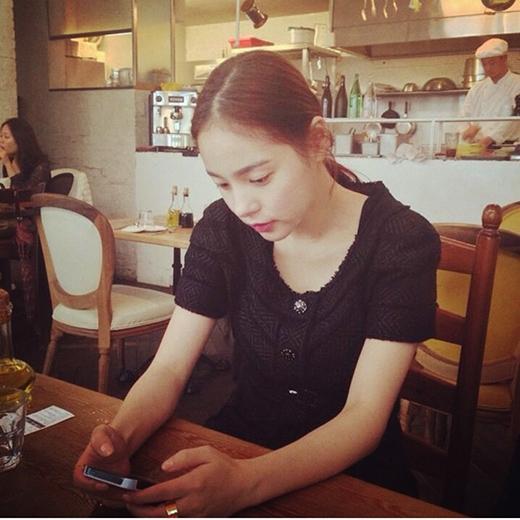 Lộ bằng chứng hẹn hò của Taeyang và Min Hyo Rin