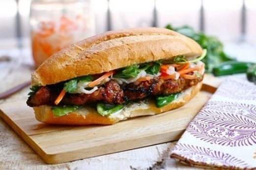 Báo quốc tế liệt kê 9 món ăn nhất định phải thử khi đến Việt Nam