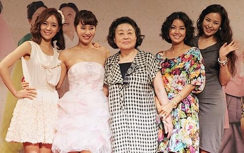 Họ là những người phụ nữ độc lập và xinh đẹp. - Tin sao Viet - Tin tuc sao Viet - Scandal sao Viet - Tin tuc cua Sao - Tin cua Sao