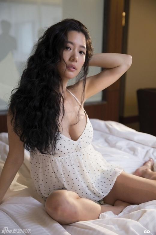 Biểu tượng gợi cảm Hàn Quốc bị giám đốc quấy rối tình dục