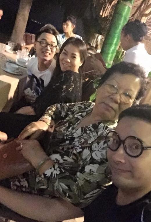 Thu Minh cùng học trò của mình làTrúc Nhânđang đi du lịch Mũi Né để nghỉ ngơi và xả stress.