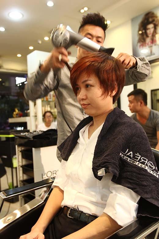 Chắc chắn đây sẽ là một mái tóc thích hợp với cá tính cũng như làm tôn lên những đường nét hài hòa, sự nữ tính trên khuôn mặt của bạn khán giả may mắn tuần này.