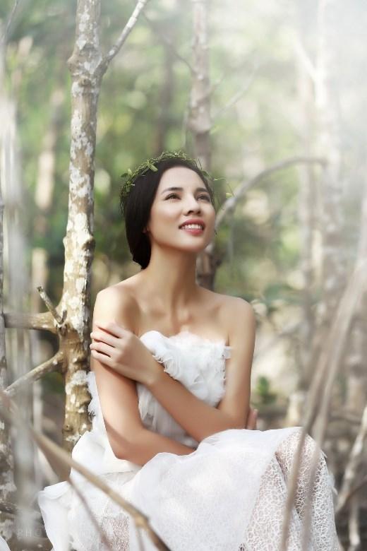 Á khôi Lệ Quyên khoe khéo vẻ đẹp tại quê nhà