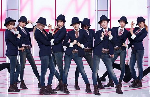 Tuy gặp phải không ít lùm xùm về việc hẹn hò của các thành viên, cũng như đỉnh điểm là việc Jessica rời khỏi SNSD nhưng nhóm nhạc Quốc dân vẫn đứng ở vị trí thứ 2 trong năm 2014 với mức thu nhập 27,7 triệu USD (khoảng 591 tỷ đồng).