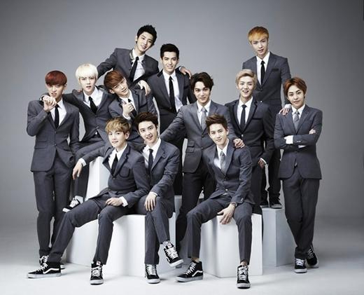 EXO khiến nhiều fan bất ngờ khi xếp ở vị trí thứ 9 trong bảng xếp hạng này khi thu nhập của nhóm trong năm 2014 là 20,2 triệu USD (khoảng 431 tỷ đồng) từ việc bán album và lưu diễn nước ngoài. Với lịch làm việc dày đặc, nhiều người cho rằng đáng lý nhóm phải có thu nhập cao hơn con số trên.