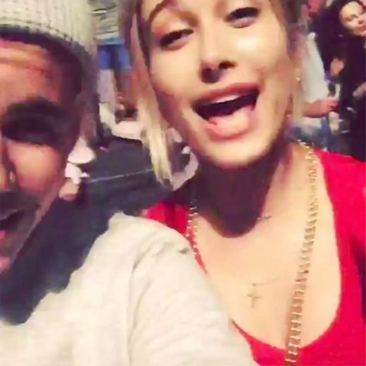 Justin Bieber chỉ coi bạn gái tin đồn là bạn tình