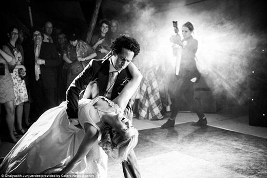 """""""Điệu nhảy đầu tiên"""", Chaiyasith Junjuerdee, Bangkok, Thái Lan"""