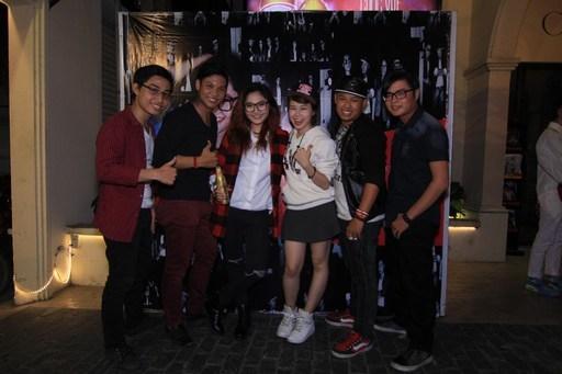 Vicky Nhung và Mask Band