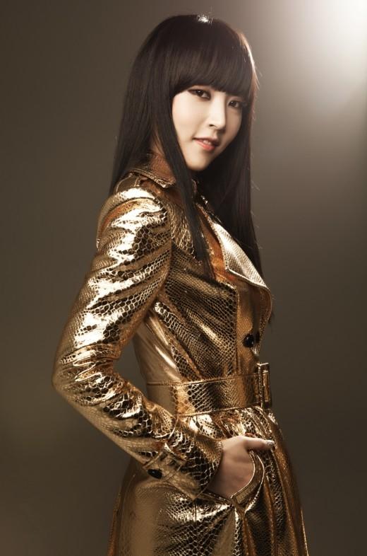Gương mặt đại diện củaMamamoochính là cô nàng rapper cá tínhMoonbyulsở hữu vẻ đẹp sắc xảo, cuốn hút.