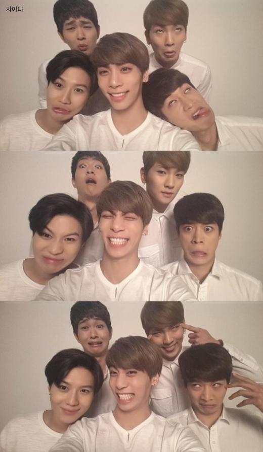 """Loạt ảnh hài hước và đáng yêu củaSHINeekhi các thành viên đến ủng hộJonghyun""""đánh lẻ"""" thành công khiến các fan vô cùng thích thú."""