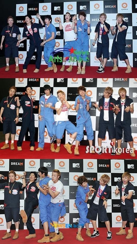 Không phải thần tượng nào cũng có được sự dũng cảm nhưBlock B. 7 chàng trai mang đến những giây phút hài hước ngay cả trên thảm đỏ, khiến truyền thông và các fan không khỏi bật cười.