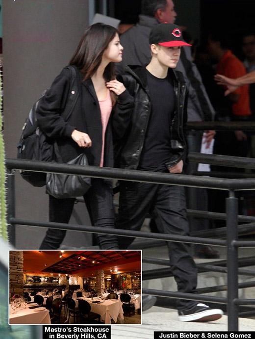 Taylor Swift và Zedd thất vọng vì Selena nối lại với Justin