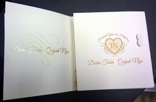 Thiệp cưới do chính cô dâu Quỳnh Nga thiết kế. - Tin sao Viet - Tin tuc sao Viet - Scandal sao Viet - Tin tuc cua Sao - Tin cua Sao