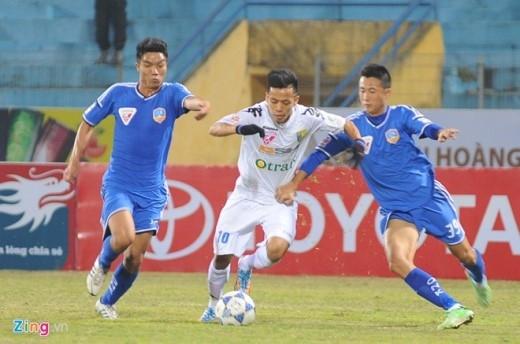 Trong một pha nỗ lực đi bóng ở hành lang cánh trái, Văn Quyết đã có một đường kiến tạo tinh tế cho đồng đội ghi bàn.