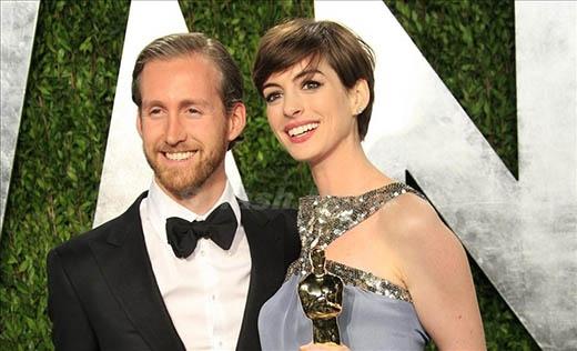 """Những ngôi sao Hollywood kết hôn với """"thường dân"""""""