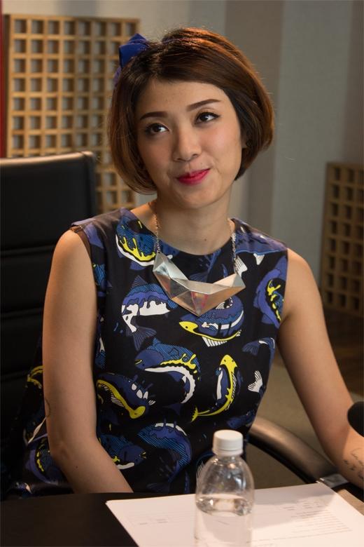 ... bên cạnh người bạn đồng hành Yumi Dương - Tin sao Viet - Tin tuc sao Viet - Scandal sao Viet - Tin tuc cua Sao - Tin cua Sao