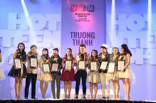 Quỳnh Hương và Xuân Thứ trở thành tân Đại sứ Hot Vteen 2014