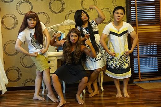 Để cho ra mắt single MV Anh ngoan rồi vợ ơi, nhóm MTV đã có thời gian 2 tháng chuẩn bị từ khâu lên ý tưởng kịch bản, chọn phục trang, thu âm và thực hiện các cảnh quay trong 1 ngày. - Tin sao Viet - Tin tuc sao Viet - Scandal sao Viet - Tin tuc cua Sao - Tin cua Sao