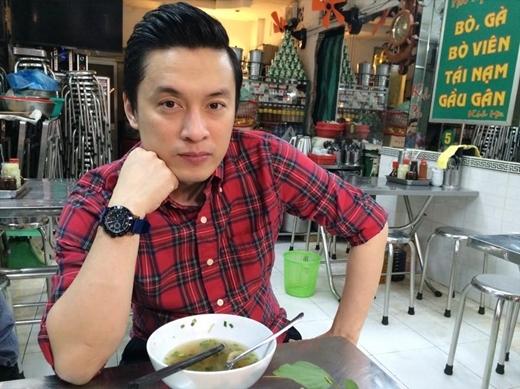Lam Trường sau một thời gian dài lưu diễn ở nước ngoài hiện tại anh đã quay trở lại Sài Gòn để tiếp tục công việc của mình. Lịch diễn bận rộn nhưng anh Hai vẫn không quên giữ gìn sức khỏe: Chạy show cần có sức khỏe, làm tô phở cái đã.