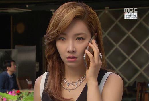 """10 nhân vật nữ """"đáng sợ"""" nhất trên màn ảnh Hàn"""