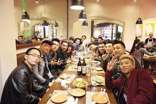 Nhiều gương mặt ca sĩ trẻ khác của Hà Nội như Justa Tee, Rapper LK, Big Daddy, Yanbi... cũng có mặt. - Tin sao Viet - Tin tuc sao Viet - Scandal sao Viet - Tin tuc cua Sao - Tin cua Sao