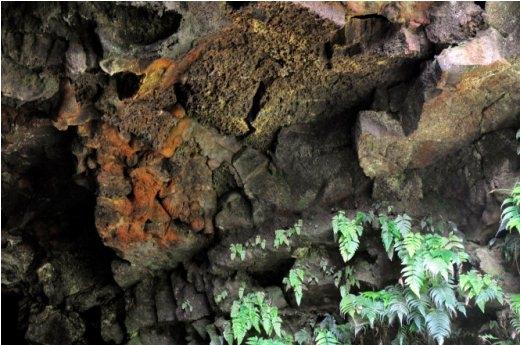 Những tầng địa mạo trong mang C7 - Ảnh: Trần Thế Dũng